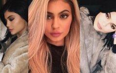 Seksualioji Kardashianų klano narė K. Jenner gerbėjams sukėlė rimtų abejonių
