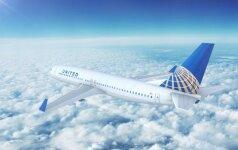 """""""United Airlines"""" nuo šiol mokės iki 10 tūkst. dolerių kompensacijas"""