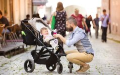 10 vaikų priežiūros daiktų, kurie šiais laikais palengvina tėvų kasdienybę