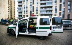 Pristatyti modernia įranga aprūpinti policijos automobiliai