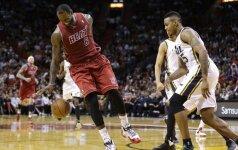 "NBA lygoje – L. Jameso trauma, 10 J. Johnsono tritaškių ir ""Knicks"" fiasko"