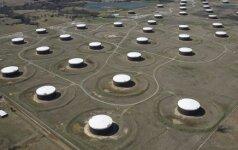 Išaugus gavybai po gamintojų susitarimo, nafta pinga