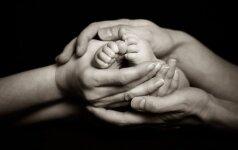 Netikėta pirmagimės mirtis tik sustiprino norą turėti vaikelį skaitytojos istorija