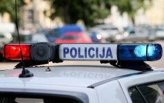 Policija ieško vairuotojos, Panevėžyje partrenkusios penkiametį