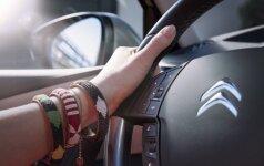 """Pradėjo tyrimą dėl """"Peugeot Citroen"""" dyzelinių variklių taršos emisijos"""