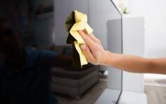 Kaip teisingai valyti dulkes nuo televizoriaus ar kompiuterio ekrano