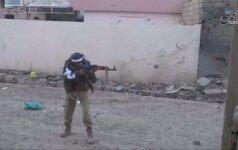 """Filmuotoje medžiagoje – """"Islamo valstybės"""" ir Irako karių susirėmimai"""