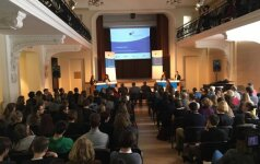 Moksleivė įtikino, kad reikia skatinti pabėgėlių atvykimą į Lietuvą