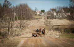 Vyriausybė svarstys, ar švelninti žemės įsigijimo saugiklius