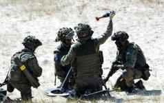 """""""The Wall Street Journal"""": NATO ruošiasi dislokuoti Baltijos šalyse apie 4 tūkst. kariškių"""