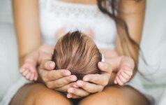 Psichologė: artimieji po gimdymo turėtų būti labai budrūs ir stebėti jauną mamą
