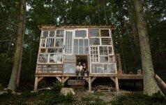 Darau Pats: kaip pasistatyti namą iš panaudotų langų už 460 eurų