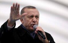 Turkijoje prasidėjo įtariamų 330 pervesmo dalyvių teismas