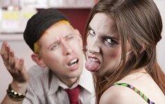 5 pasimatymus gadinantys įpročiai, kurie draugų kompanijoje yra priimtini