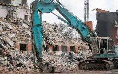 """""""Lidl"""" priklausantis buvęs Kelių policijos pastatas - jau kone nugriautas"""