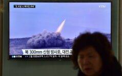 Šiaurės Korėja veikiausiai nesėkmingai mėgino paleisti balistinę raketą