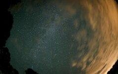 Astronomai krapštosi pakaušius: užfiksuotas anomalus signalas