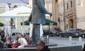 J. Basanavičiaus skulptūra Vilniuje
