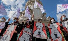 Paryžius: mitingas, ginantis teisę į abortą