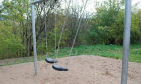 Mažeikiuose griaus senas vaikų žaidimo aikšteles