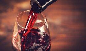 Kinijos ir Australijos santykiai darosi vis labiau įtempti: australiškam vynui smarkiai padidinti muitai