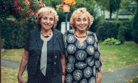 Dvynės iš Palangos žavi savo energija: gelbėtojų darbas paauglystėje ir pasirinktos išskirtinės specialybės
