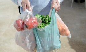 Prekybos tinklas tikisi pakeisti pirkėjų įpročius: atsisako plastikinių maišelių