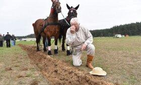 Ūkininkai prisitaikė: Lietuvoje jau ima du derlius per metus