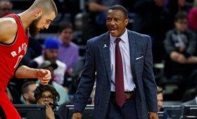 """""""Raptors"""" ėmėsi permainų – atleido trenerį Casey"""