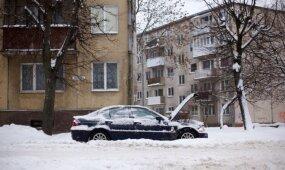 Smogs arktinis speigas: svarbiausi patarimai, kaip ryte nelikti be automobilio