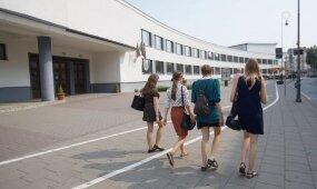 Kitąmet mokslo metai bus dar ilgesni: problema yra vasarą krentanti vaikų motyvacija mokytis