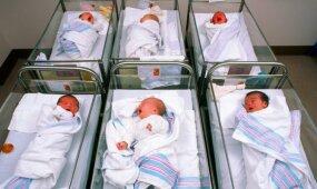 Šeimose gimsta per mažai vaikų: siūlo priemones problemai spręsti