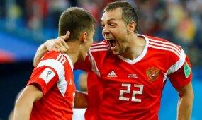 Po pertraukos įvarčiais prapliupusi Rusijos rinktinė – praktiškai aštuntfinalyje