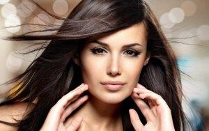 Laimėkite priemonių, kurios rūpinasi ir saugo plaukus