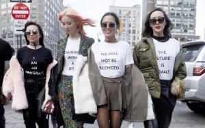 Niujorko mados savaitė – nuo vėžį įveikusių modelių iki podiumu žengiančio seksualaus nusikaltėlio