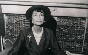 Kas privertė dizainerę Coco Chanel tapti nacistinės Vokietijos agente?