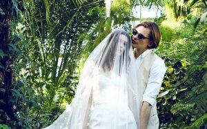 Aktorė Karina Stungytė vestuvinėje fotosesijoje įsiamžino su savo mylimuoju