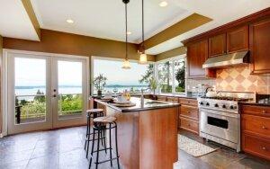 Medis ar metalas - kas energetiškai virtuvėje geriau?