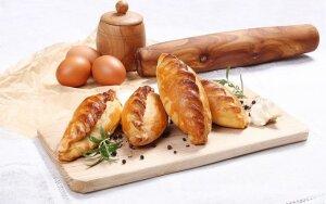 Valgykime liesiau: naminių kibinų ir vištienos kukulių receptai