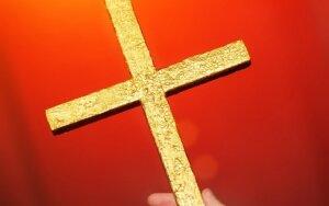 Kaip ištraukti sūnų iš religinės bendruomenės gniaužtų? Atsako psichologas