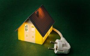 Praktiški patarimai, kaip sumažinti sąskaitas už vandenį ir elektrą