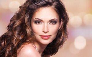 Profesionalios plaukų priežiūros priemonės, nudažančios net žilus plaukus