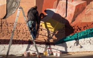 Užupio meno inkubatorius dovanoja meną miestiečiams