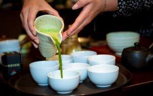 Žaliosios arbatos ceremonija sudomino žinomus žmones. + Kaukės receptas