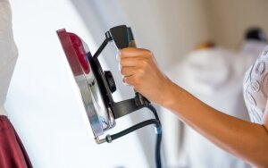 Kaip namuose nuvalyti lygintuvą