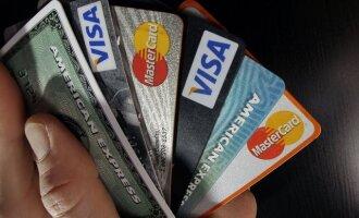 Mokėjimo korteles siūlo apdrausti