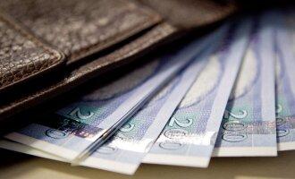 Kaip kontroliuoti išlaidas atsiskaitant banko kortele
