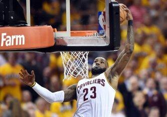Seilei pavarvinti: įspūdingiausių NBA sezono dėjimų dešimtukas