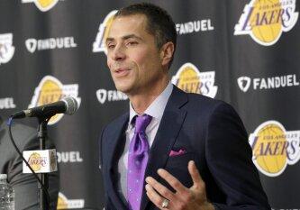 """NBA lyga """"Lakers"""" klubui už P. George\'o viliojimą skyrė milžinišką baudą"""