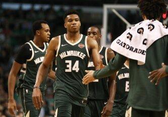 """NBA naktis: netekties sukrėsti """"Celtics"""" nerado priešnuodžių sužvėrėjusiam G. Antetokounmpo"""